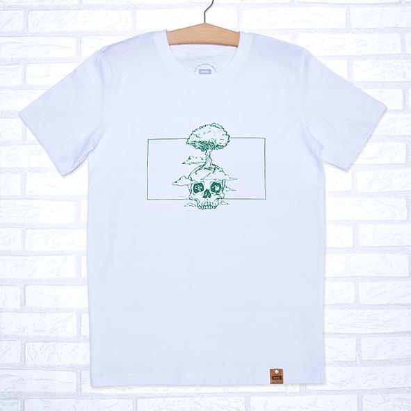 Camiseta orgánica blanca unisex con ilustración de calavera y árbol