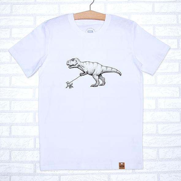 Camiseta orgánica blanca unisex con ilustración de un dinosaurio paseando un caniche