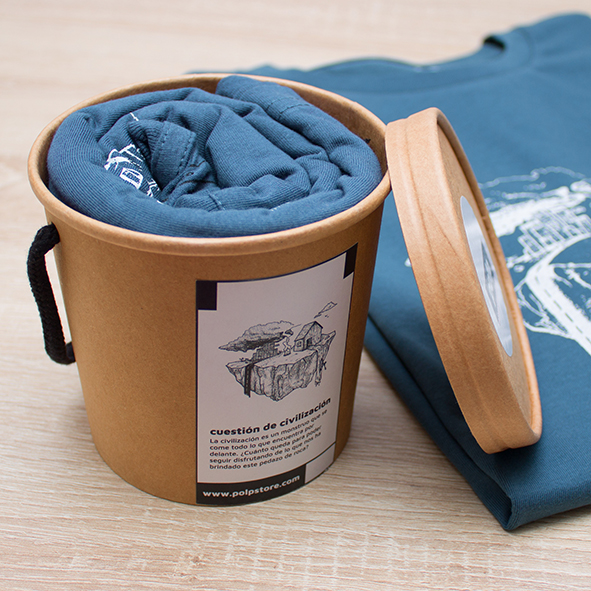 Packaging cubo de cartón reciclado y reutilizable con camiseta azul de la tierra