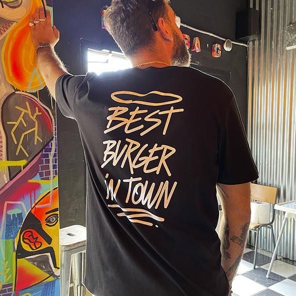 Camiseta negra Bang Bang Burger parte detrás Best Burger In Town