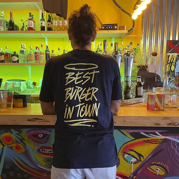Camiseta marino Bang Bang Burger parte detrás Best Burger In Town